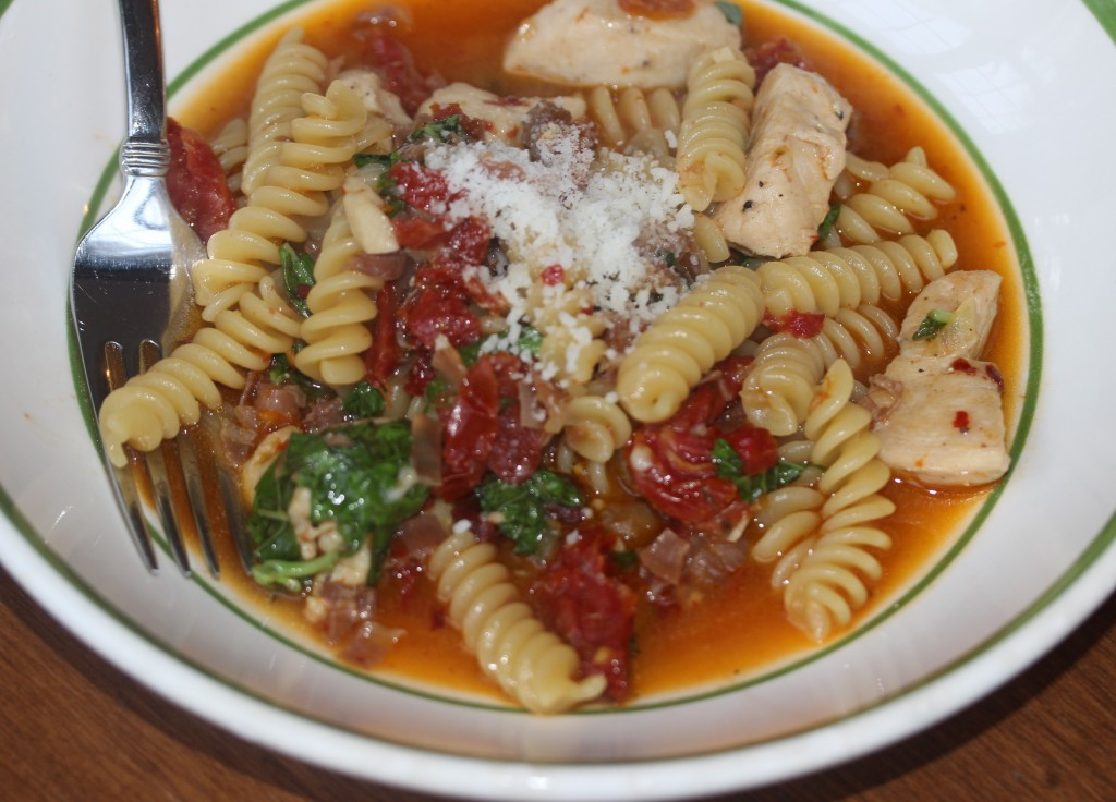 fusilli with sundried tomatoes and chicken